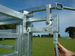 Self Locking Sliding Gate