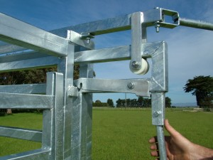 Self Locking Sliding Gate